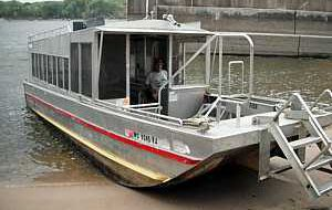 Pick up boat